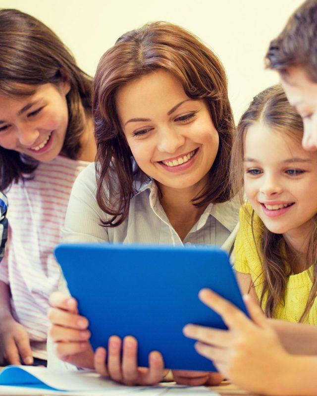 """Ką mokytojai gali daryti skaitmeninėje mokymo(si) aplinkoje """"EDUKA klasė"""":"""